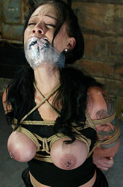 Krissy tied down, wired up and cumming!
