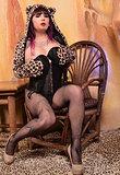 Gorgeous Kelly posing in pantyhose